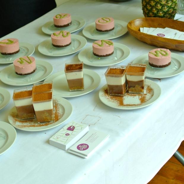 Secret of raw - tiramisu a zmrzlinový jahodovo -limetkový cheesecake.