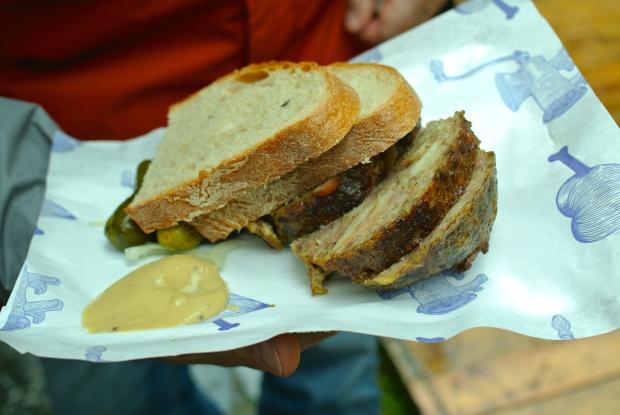 NAše maso: Sekaná - za mě naprosto top z toho, co jsem ve stánku Našeho masa ochutnala. Vynikající.