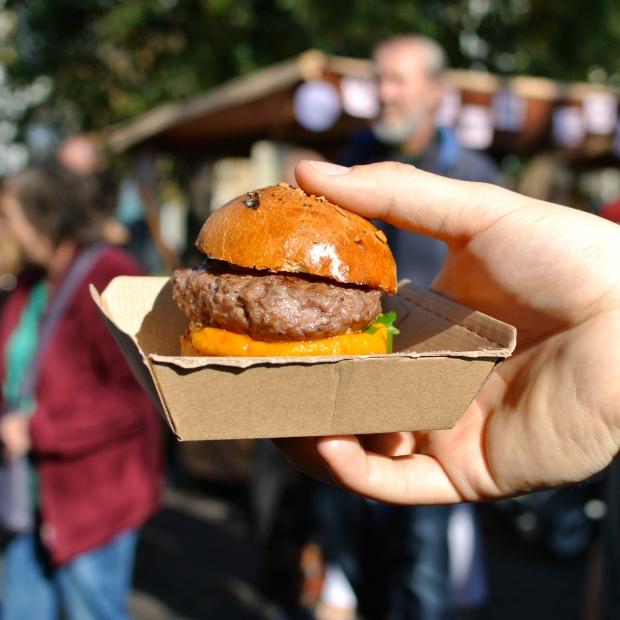 Burger od #weareburgers. Byl s dýňovým pyré a chutnal dokonale.