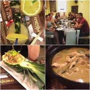 Mi Tai, smažená rýže servírovaná v ananasu, zelené kari.