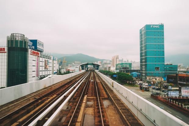 Výhled z nadzemky v Busanu
